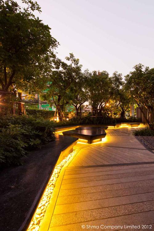 Maastikuarhitektuur: Condominium Garden Shma Designi poolt
